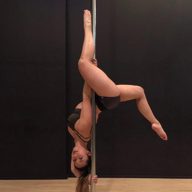 Hannah Mar - inside leg hang