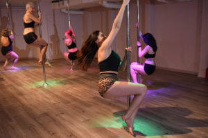 Studio Spin Pole Classes - Eliza Taylor Photography
